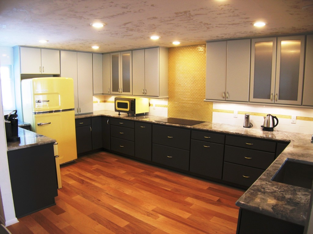 Starmark Kitchen Cabinets Unique And Bold An Updated Twist On A Mid Century Look